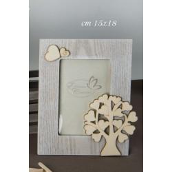 Portafoto legno con applicazione albero e cuori con scatola. CM 15x18
