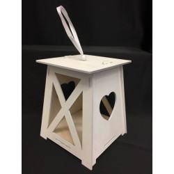 Lanterna legno bianca con traforo cuore e nastro. Base CM 13x13 H 15.5 (solo lanterna)
