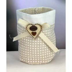 Saccotto confettata doppio tessuto scacco con applicazione fiocco e cuore legno. Diam. 8 H 11