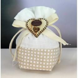 Sacchetto doppio tessuto pois con applicazione fiocco e cuore legno. CM 10x12