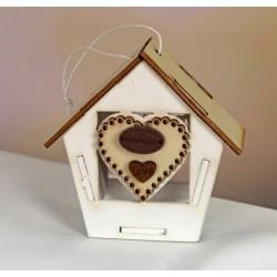 Casetta in legno da appendere, bicolor con applicazione cuore legno. CM 8x8