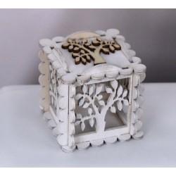 Scatola legno bianca con traforo albero e applicazione. CM 6x6 H 6