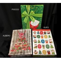 Shopper natalizia in carta con manici, soggetti misti. CM 32x10 H 44