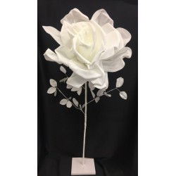 Rosa lattice da allestimento con gambo, foglie e piedistallo. Diam. Rosa CM 45 H 108