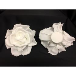 Rosa lattice, base piatta con doppio gancio sul retro. Diam. 14
