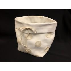 Saccotto confettata doppio tessuto con ricamo pois e  applicazione fiocco. Base 10x10 H 12