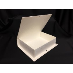 Scatola forma libro in cartoncino. Parte contenitiva CM 22.5x16.5 H 6