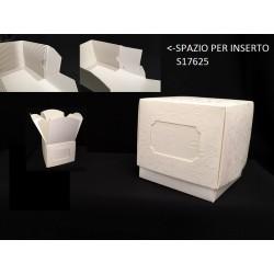 Scatola cartoncino con apertura a fiore e spazio per inserto. CM 6.5x6.5 H 7