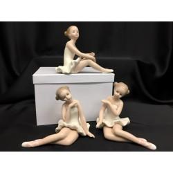 Ballerina porcellana lucida con scatola. Ass 3. H 12