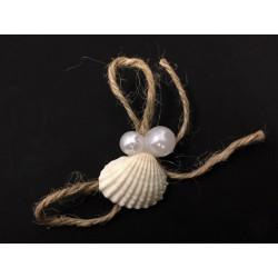 Pick fiocco corta con conchiglia e doppia perla. CM 8