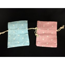 Sacchetto tessuto grezzo con cuoricini bianchi. CM 8x10