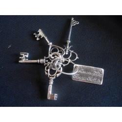 """Mazzo chiavi """"Amore, Vita, Forza, Salute"""" in ottone con bagno argento CM. 6(chiave più lunga)"""